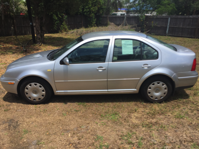 2000 Jetta Silver Front View